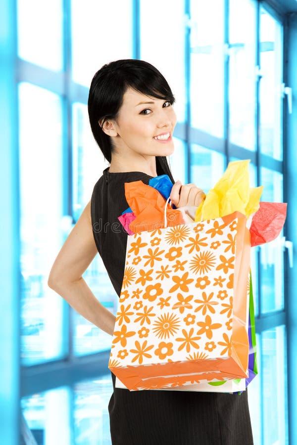 Einkaufenfrau stockfotografie