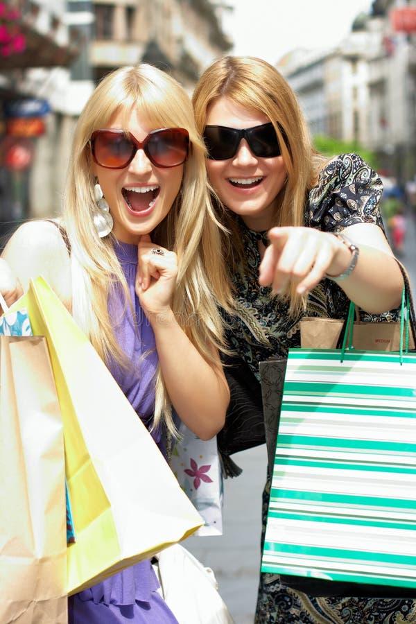 Einkaufenfrau lizenzfreie stockfotos