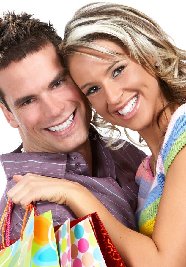 Einkaufenliebespaare stockfoto