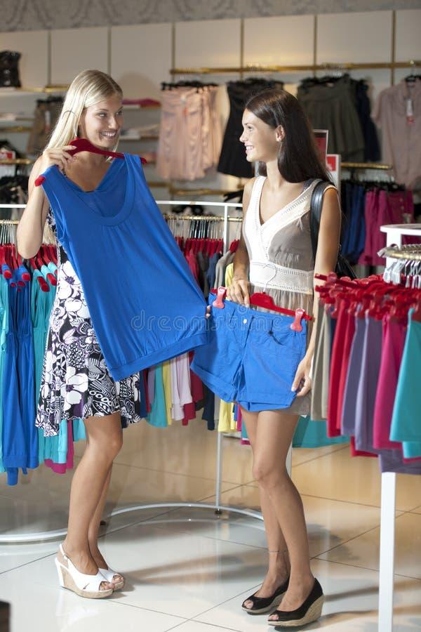 Einkaufenzeit! lizenzfreies stockfoto
