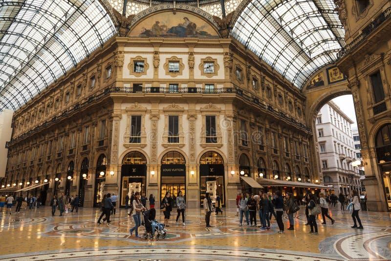 Einkaufsgalerie Victor Emmanuels II in Mailand, Italien stockbilder