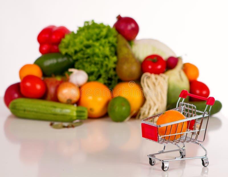 Einkaufsliste in einem Lebensmittelladen lizenzfreie stockfotografie
