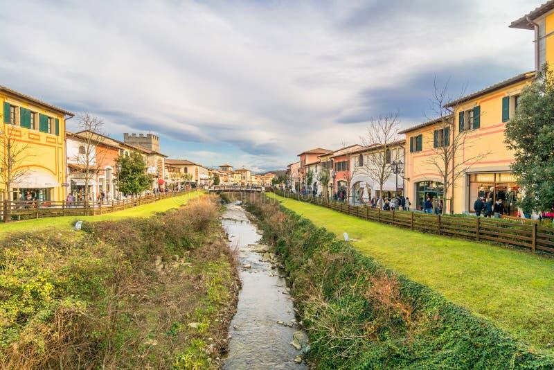 Einkaufsoutlet in Barberino di Mugello stockfoto