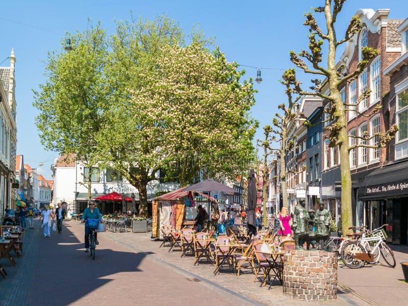 Einkaufsstraße in Haarlem, die Niederlande stockfoto