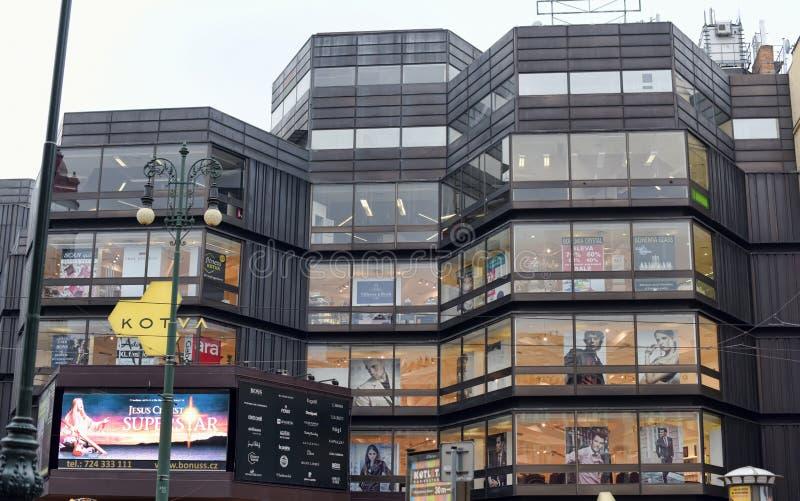 Einkaufszentrum Kotva stockfotografie