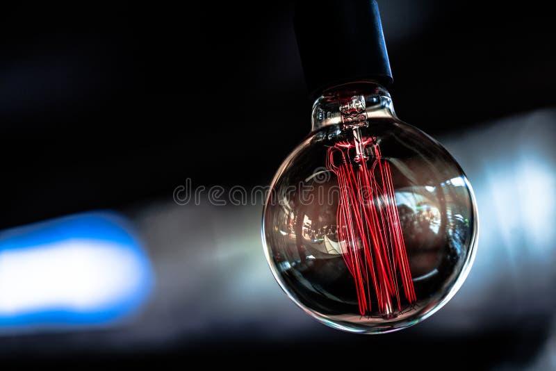 Einsame Glühlampe stockfotos