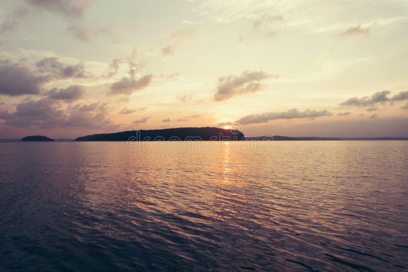 einsame Insel, unbewohnte Insel stockbild