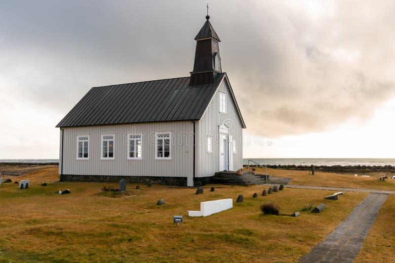 Einsame Kapelle in der Landschaft von Island lizenzfreie stockfotografie
