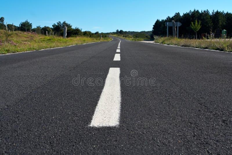 Einsame Straße lizenzfreie stockfotografie