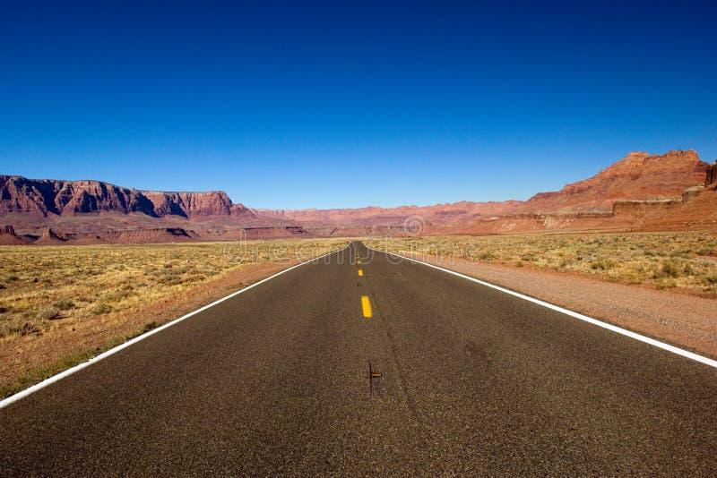 Einsame Straße lizenzfreies stockbild