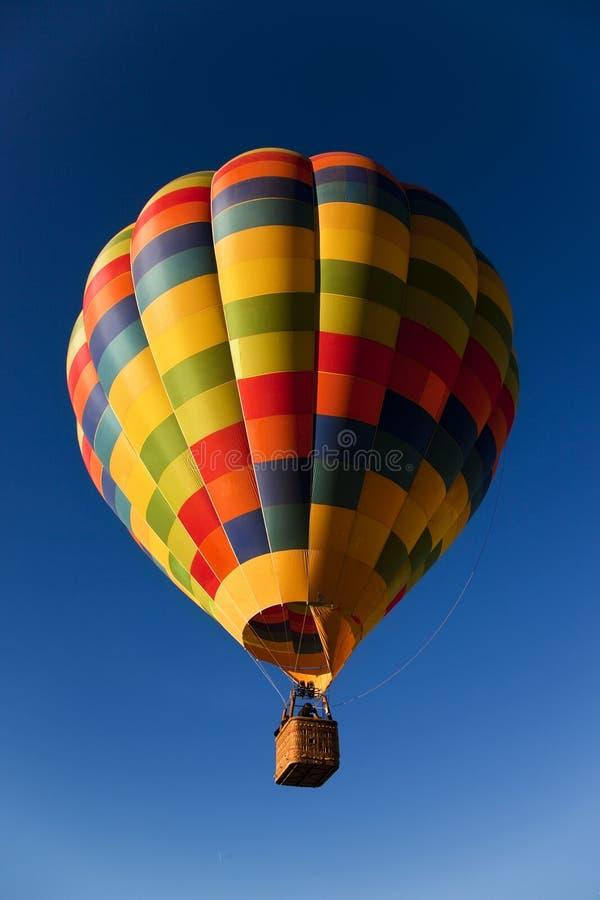 Einsamer Ballon lizenzfreie stockbilder