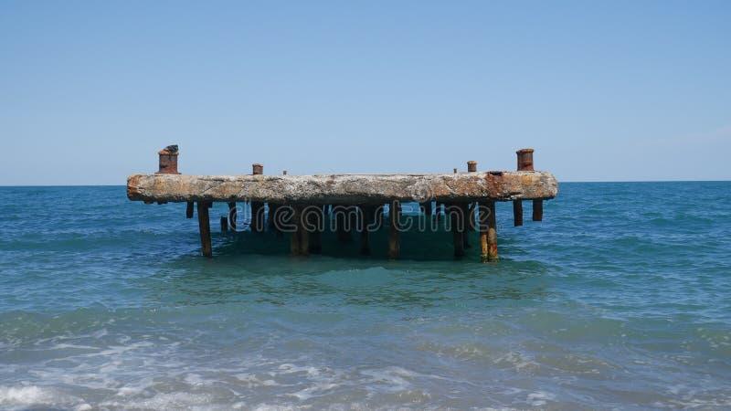 Einsamer Pier lizenzfreie stockfotos