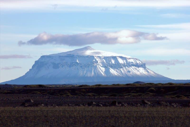 Einsamer Vulkan Herðubreið lizenzfreies stockfoto