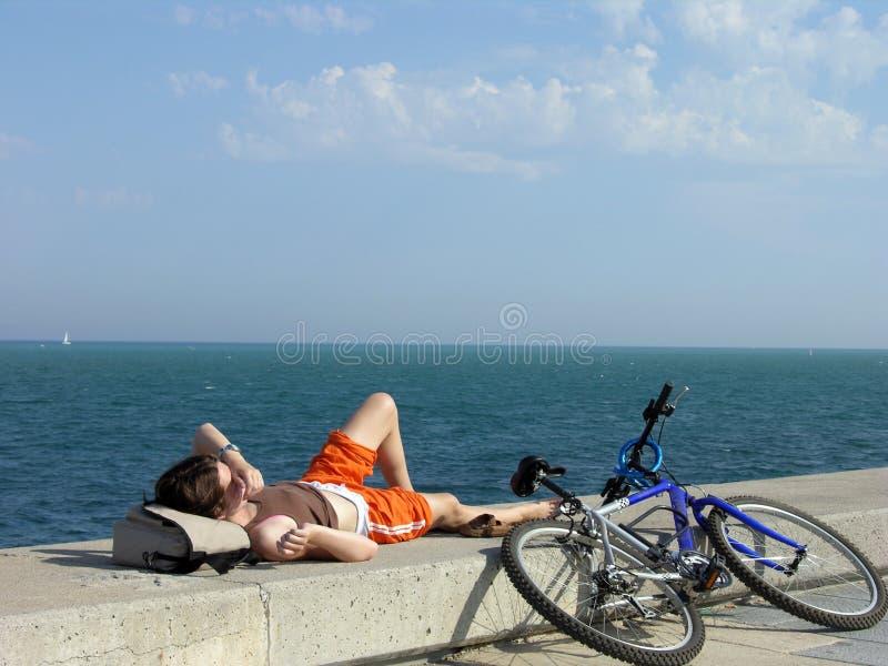 Einsames Entspannendes Mädchen Stockbilder