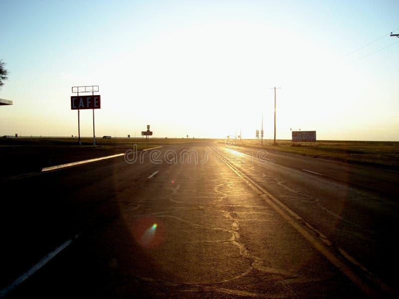 Einsames Zeichen auf Weg 66 in Adrian, Texas stockfotografie