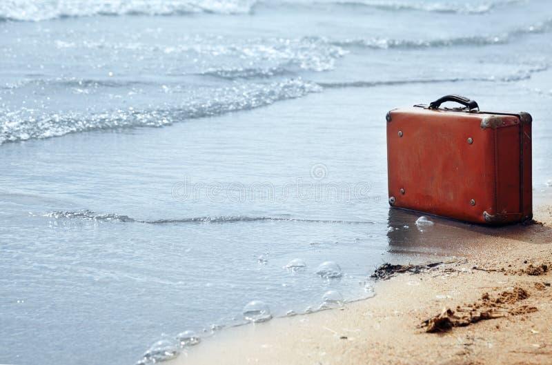 Einsamkeit auf dem Strand stockfotos