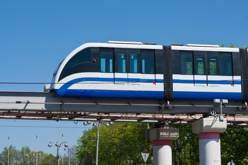 Einschienenbahnzug stockfoto