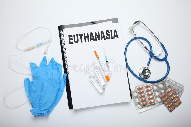 Einspritzung des Pentobarbitals für Euthanasie Legal führen Sie in der Klinik durch lizenzfreies stockfoto
