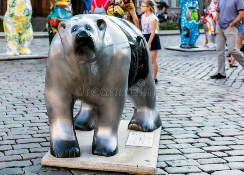 'Einstein 'björn på den eniga Buddy Bears internationella konstutställningen arkivbild