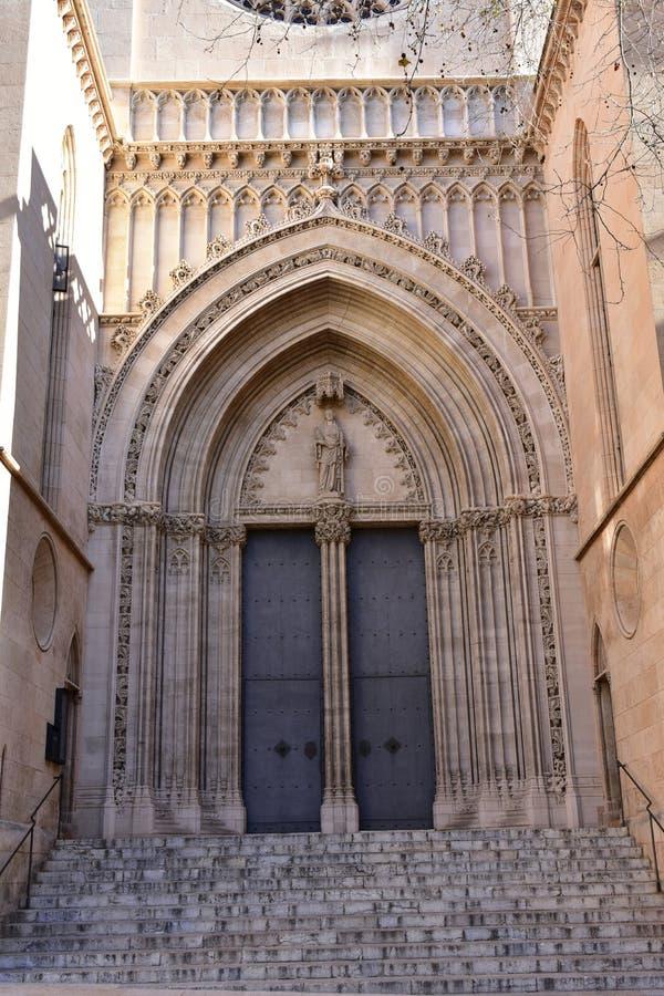 Einstiegstür ofchurch Santa Eulalia, Mallorca stockfotografie
