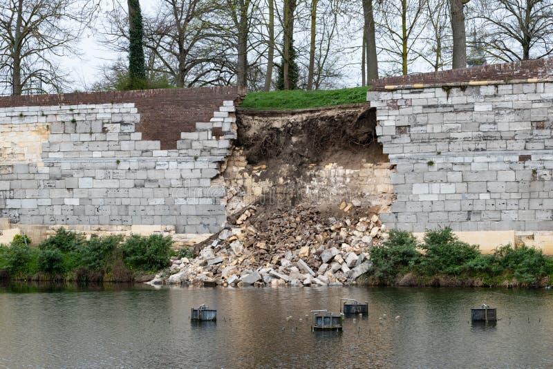 Einsturz mittelalterlicher Maastricht-Wand lizenzfreies stockfoto
