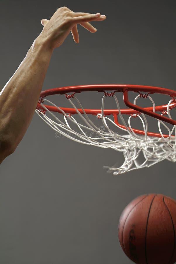 Eintauchen eines Basketballs 3 stockfotografie