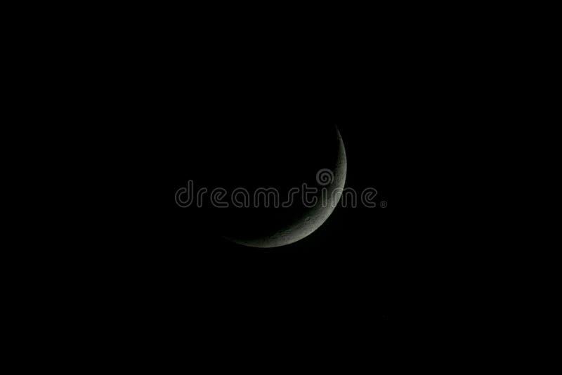 Einwachsen von Crescent Moon Thin ohne Sterne stockfoto