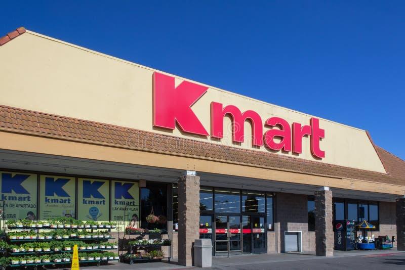Einzelhandelsgeschäftäußeres Kmarts lizenzfreie stockbilder