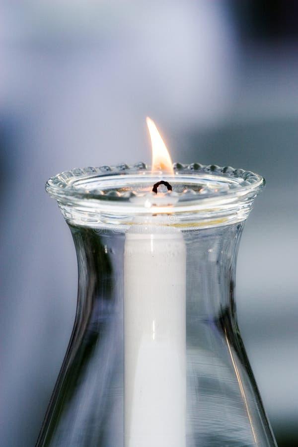 Einzelne Kerze lizenzfreie stockbilder