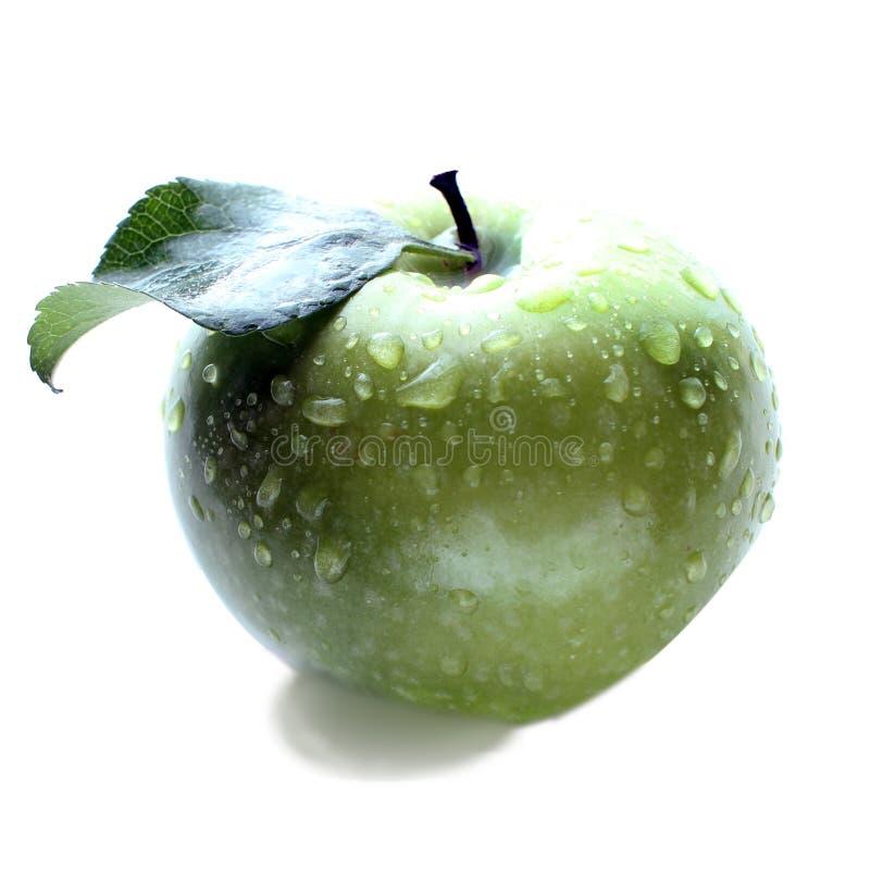 Einzelne reife grüne Apfelfrucht lokalisiert auf weißem Hintergrund mit Beschneidungspfad stockfotografie