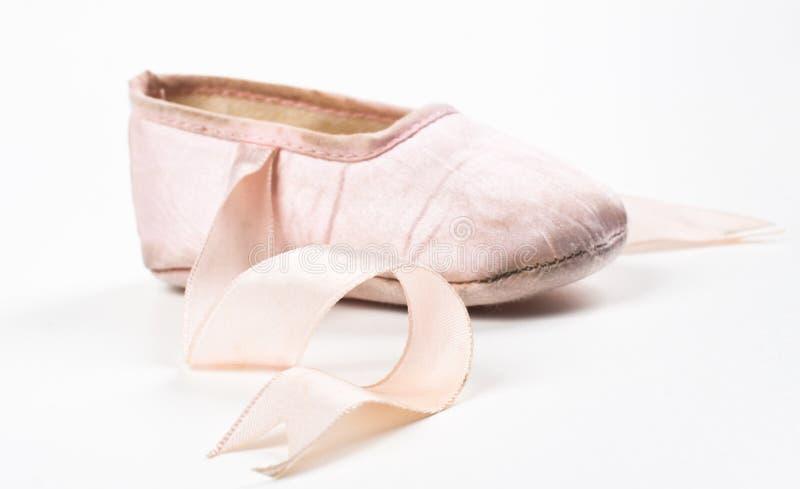 Einzelner balerina Schuh lizenzfreies stockbild