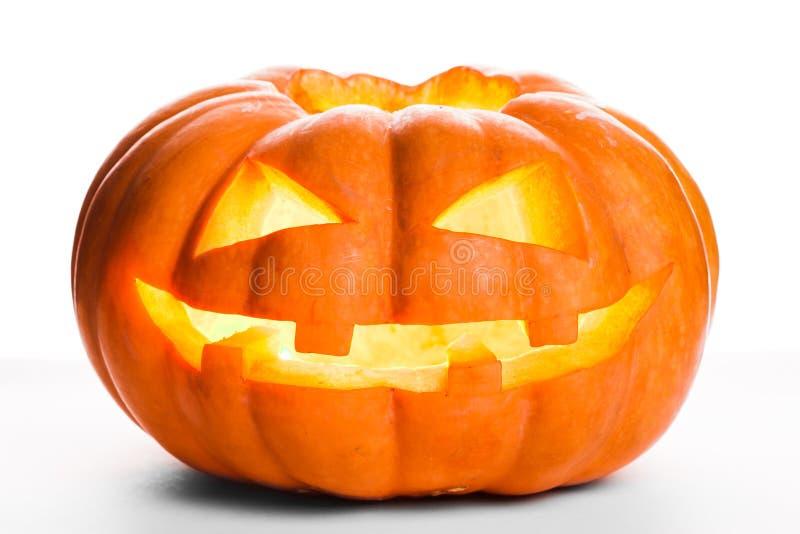 Einzelner Halloween-Kürbis Furchtsamer Jack O& x27; Laternengesicht stockbild