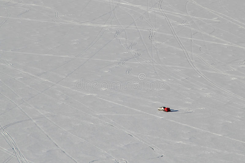 Einziger Eisfischer Lake Altoona Wisconsin lizenzfreies stockbild