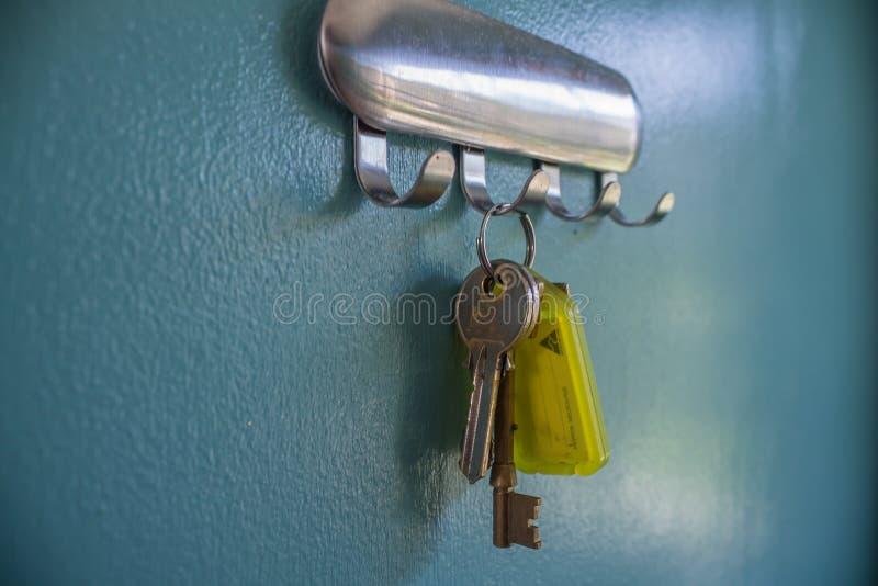 Einziges Schlüssel-Hängen stockbilder