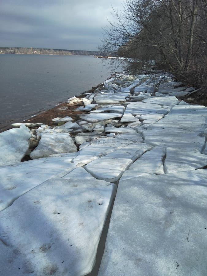 Eis auf Neva stockbilder