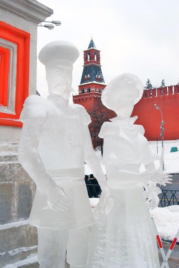 Eis-Skulpturen des Mannes und der Frau lizenzfreies stockbild