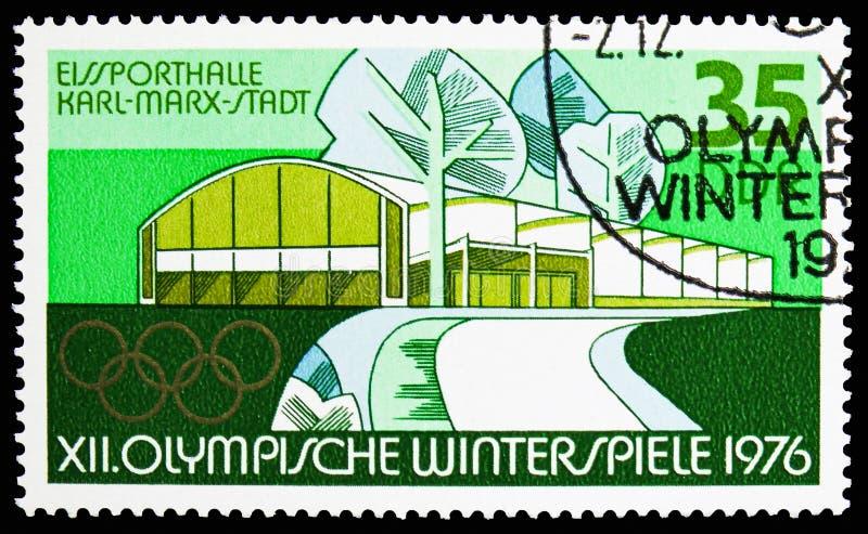 Eis-Sport Hall Chemnitz Karl-Marx-Stadt, Winter Olympics 1976, Innsbruck-serie, circa 1975 lizenzfreie stockfotografie