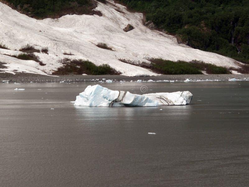Eisberg, der Schichten zeigt stockfotos