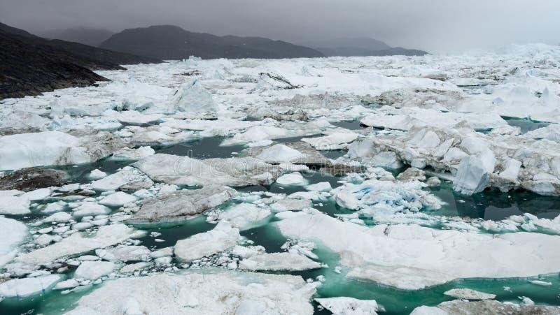 Eisberg und Eis in der arktischen Landschaftsnatur mit Eisbergen in Grönland-icefjord lizenzfreie stockfotografie