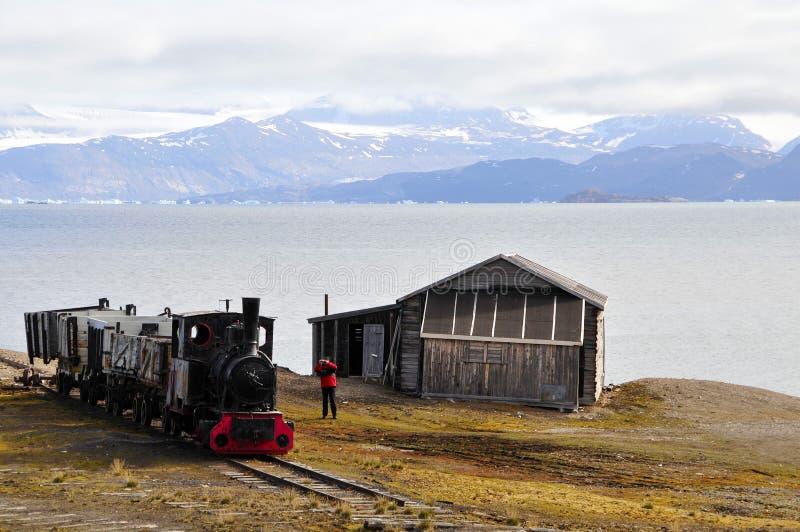 Eisembahn velho em Ny Alesund (Spitsbergen) fotografia de stock