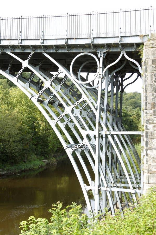Eisen-Brücke über dem Fluss Severn lizenzfreies stockfoto
