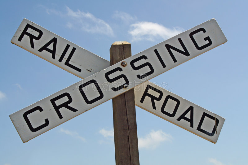 Eisenbahn-Überfahrt-Zeichen lizenzfreies stockbild