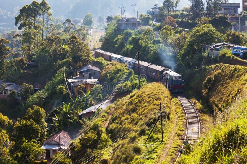 Eisenbahn auf Sri Lanka lizenzfreie stockfotos