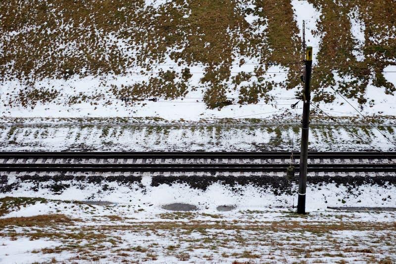 Eisenbahn im Schnee stockbilder