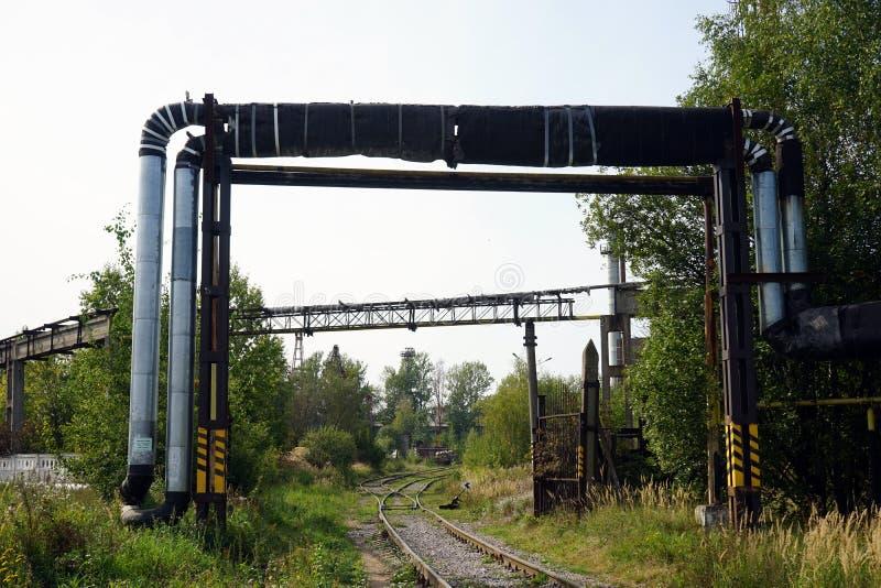 Eisenbahn und Fabrik stockfoto