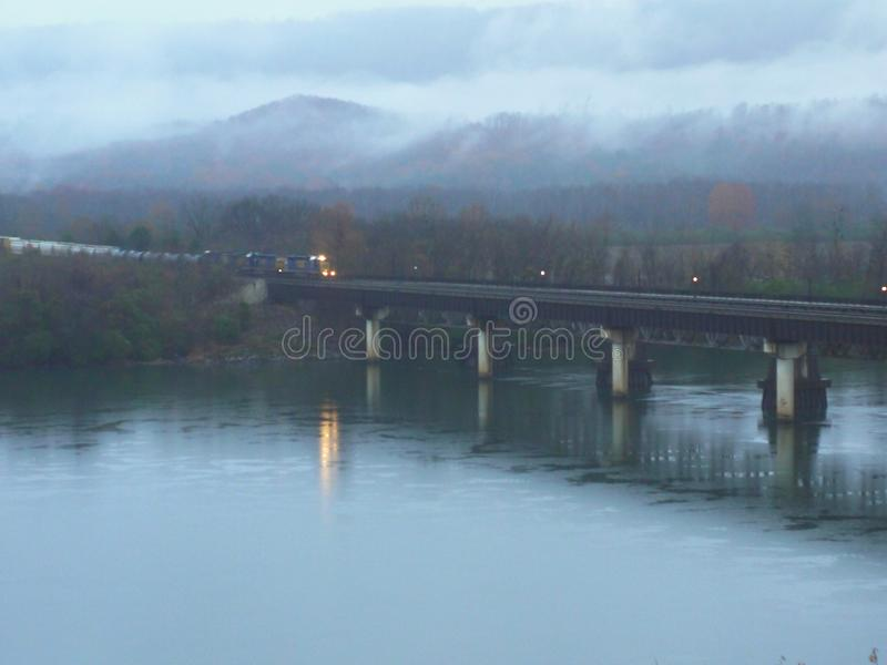 Eisenbahnbrücke--Bridgeport, Alabama stockfotos