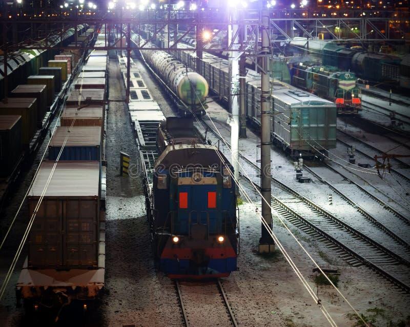 Eisenbahnnachtszene lizenzfreie stockbilder