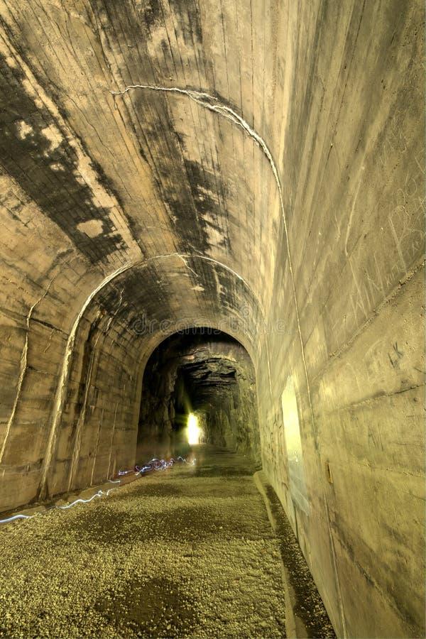 Eisenbahntunnel Unfinish stockbilder