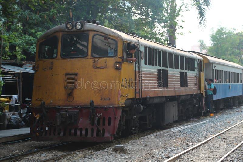 Eisenbahnverkehr in Bangkok, Thailand stockbilder