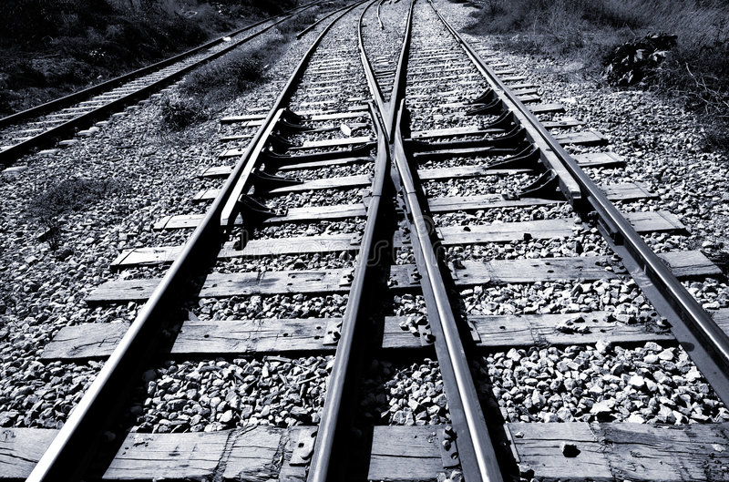 Eisenbahnverzweigung - Schwarzes u. Weiß lizenzfreie stockfotografie